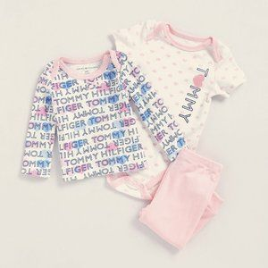 Tommy Hilfiger Infant 3 Piece Set 24M Pink White
